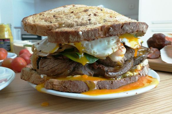 ULTIMATE-STEAK-SANDWICH